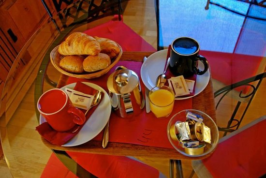 Hotel Central: Breakfast every morning!