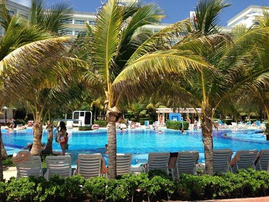 Hotel Riu Caribe: pool