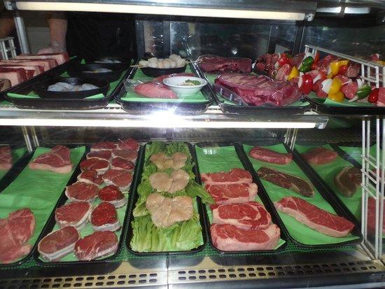 Allegan, MI: Pick you steak, chicken or seafood