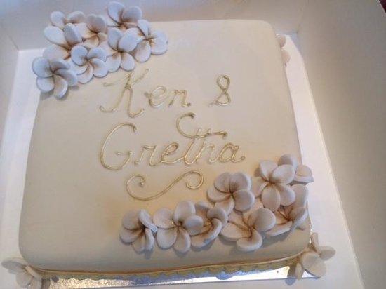 Drummoyne Bakehouse Cafe: Delicious Stunning Cake