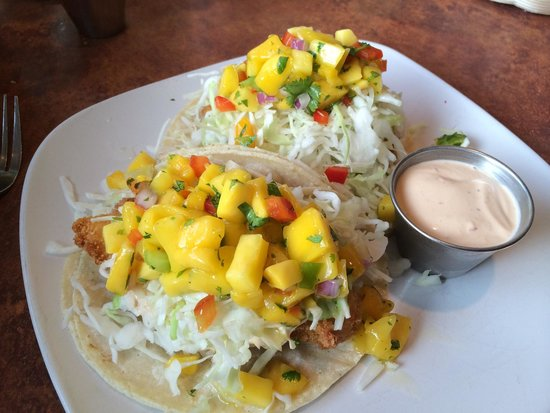 Georgie's Beachside Grill : Halibut fish tacos