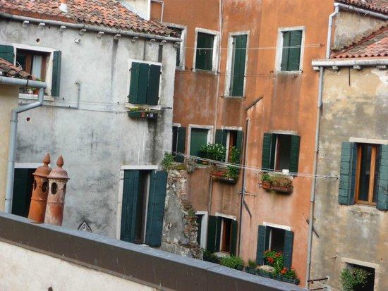 Palazzo Contarini della Porta di Ferro: view from hotel