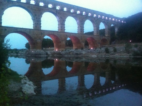 Pont du Gard: Late summer evening