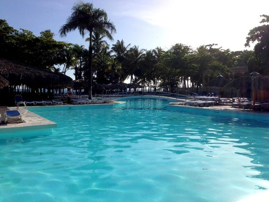 ClubHotel Riu Merengue: pool at 7 am