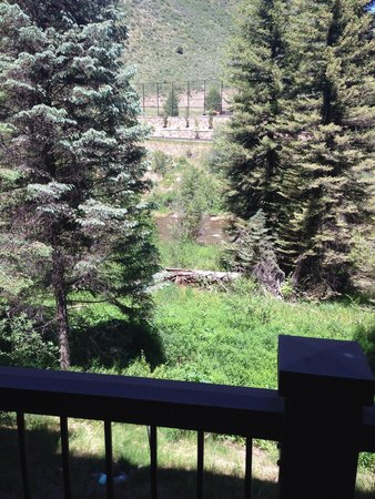 Manor Vail Lodge: View from room