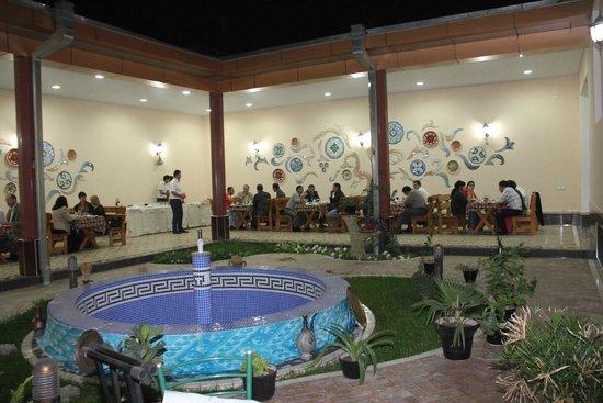 Hotel Billuri Sitora