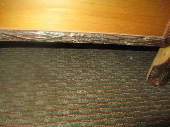 Great Wolf Lodge: Plastic under dresser for 3 nights