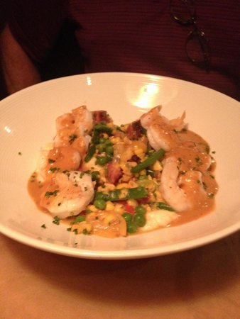 Lucky Rooster Kitchen + Bar: Shrimp and grits