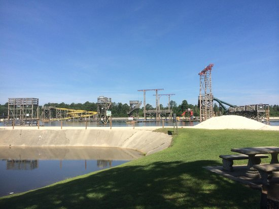 Fantasy Lake Water Park: The lake from one of the picnic areas