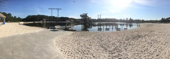 Fantasy Lake Water Park: Panoranic from Snack/Changing area