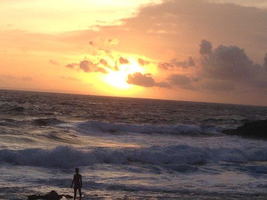 Sandy Bay Beach Club : sunset