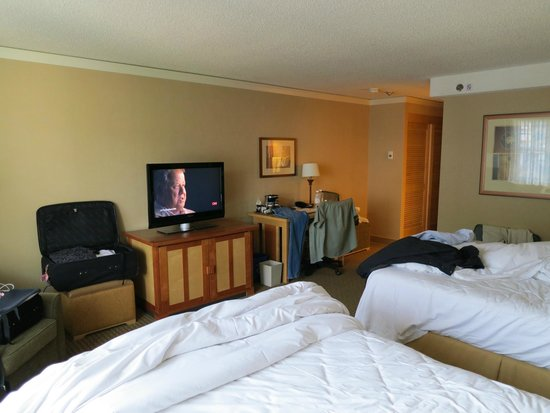 Hilton Whistler Resort & Spa: Room 610, north tower