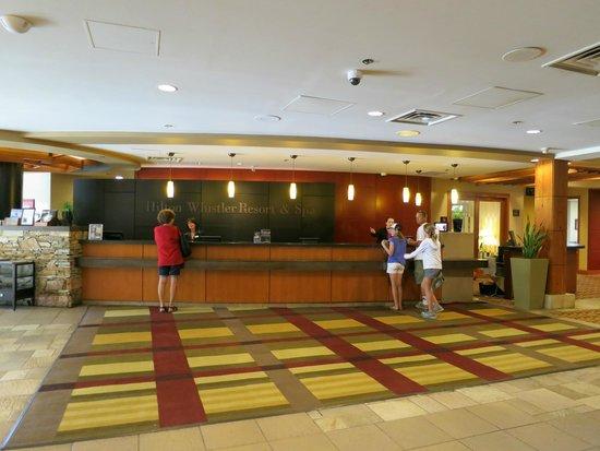 Hilton Whistler Resort & Spa: Front desk