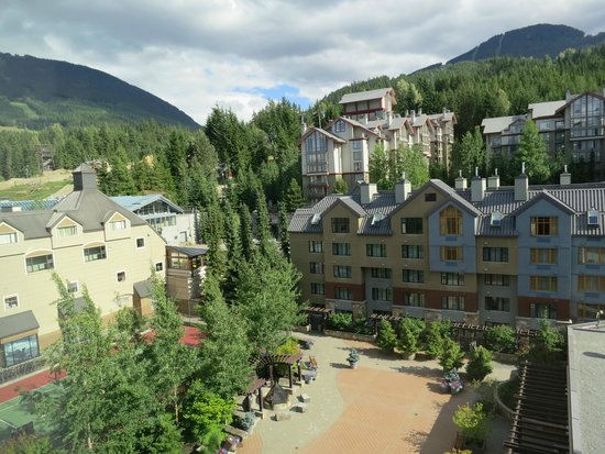 Hilton Whistler Resort & Spa: View from room 610, north tower