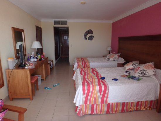 Be Live Experience Varadero: la chambre vue piscine