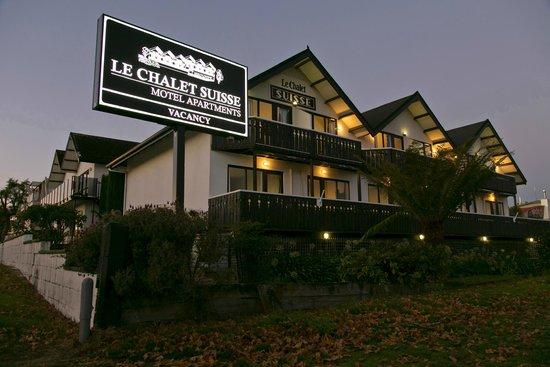 Le Chalet Suisse Motel