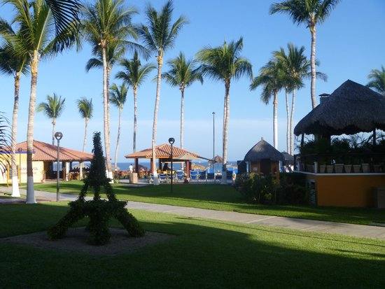 Worldmark Coral Baja: Looking out toward the ocean from the rooms