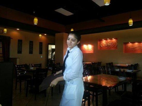 Priya Indian Restaurant: Friendly service!