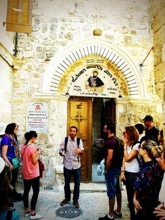 SANDEMANs NEW Europe - Jerusalem: The free tour brought us to the secret Syrian Quarter