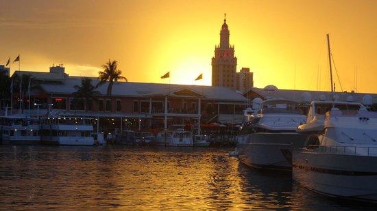 Bayfront Park : Beautiful sunset