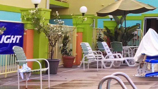 Comfort Inn Sandusky: outdoor pool area