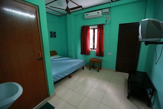 Aashiaanaa Residency Inn: Room with balcony