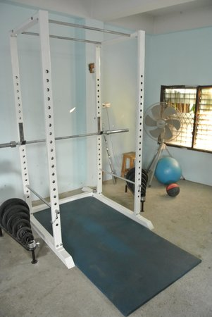 Cumpun Guest House: Power rack