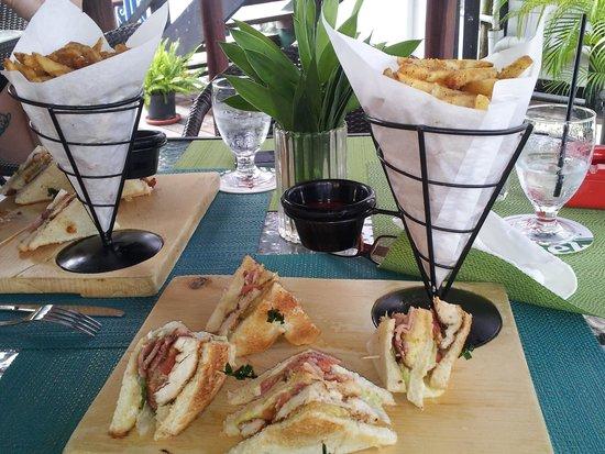 Coral Mist Beach Hotel: club sandwich @ Mojo