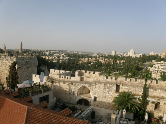 Gloria Hotel: A view from the hotel roof of part of new Jerusalem