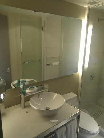 W New York - Times Square: Marvelous Suite has 2 bathrooms