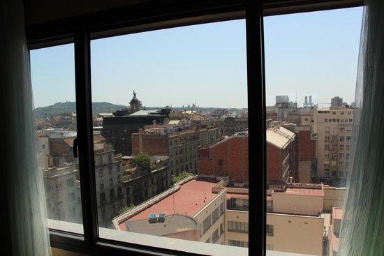 Renaissance Barcelona Hotel: Вид из номер! 10-й этаж!