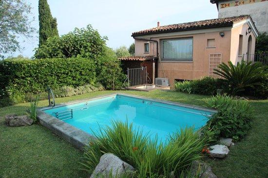 Garni del Gardoncino: הבריכה