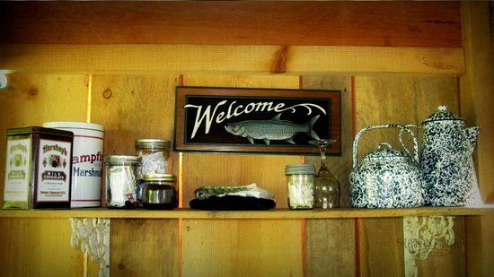 Huckleberry Tent and Breakfast North Idaho: Beautiful decor in the kitchen