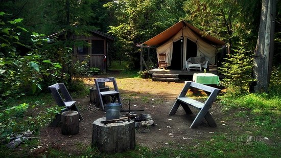 Huckleberry Tent and Breakfast North Idaho: Mountain View Site