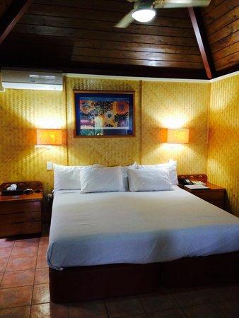 The Rarotongan Beach Resort Lagoonarium Deluxe Beachfront Suite