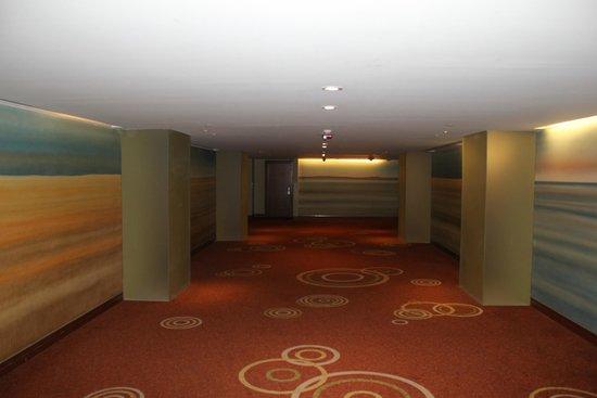 The Westin Athens Astir Palace Beach Resort: corridor to room