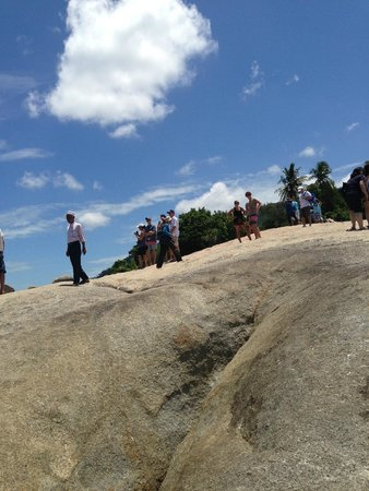 Grandmother and Grandfather Rocks (Hin Yai & Hin Ta): หินยาย
