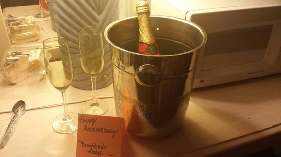 Brooktrails Lodge: Loved coming back to this such an awesome gesture to do for your guests and shows they care☆☆☆☆
