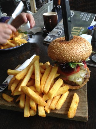 Emu Point Cafe: Burger & chips on a breadboard