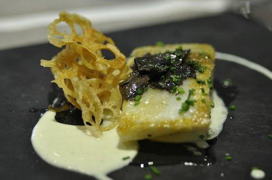 Restaurante Melanosporum: Cod with Black Truffle