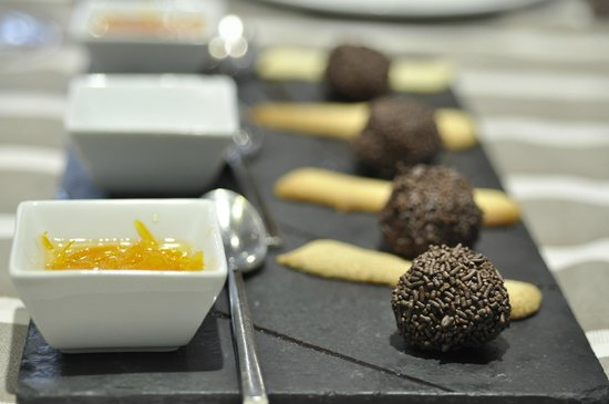 Restaurante Melanosporum: Black Truffle chocolate