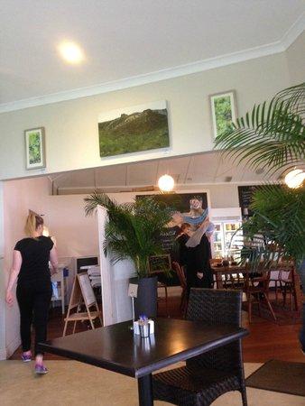 Emu Point Cafe : Inside the restaurant
