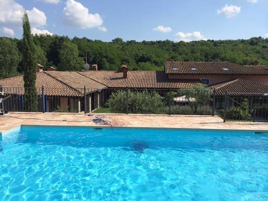 Valentincic: Beautiful pool at this B&B!
