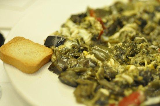 La Ribera Restaurante.: Scrambled egg with vegetables