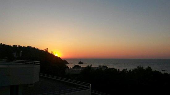 Larissa Club Saphire Hotel: Восход солнца.Вид из номера.