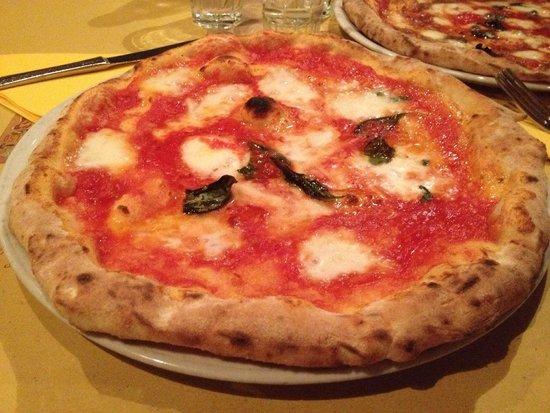 Il Vico del Carmine : Margherita con bufala!! sluurrrppp!!