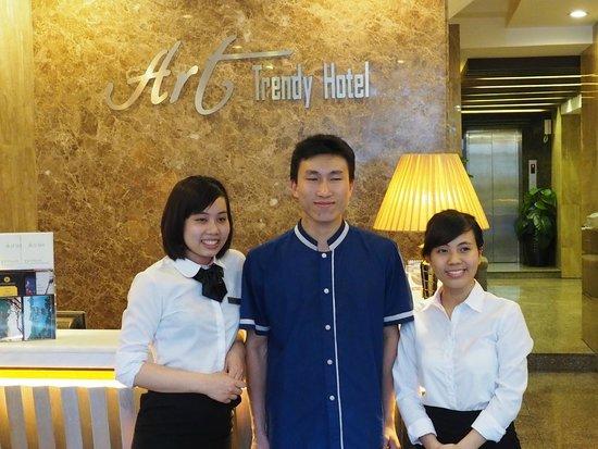 Golden Art Hotel: Kathy & Kungfu Master