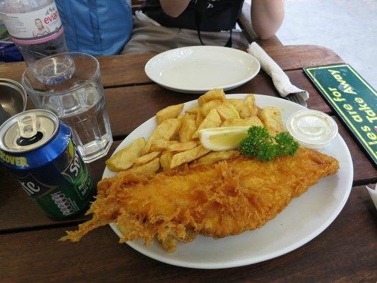 Rock & Sole Plaice: A large COD meal with a can of Sprite