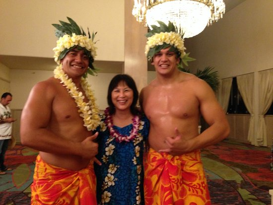 Te Moana Nui, Tales of the Pacific: Photo with the dancers