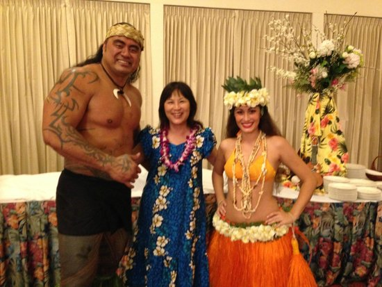 Te Moana Nui, Tales of the Pacific: Photo with the Samoan fire knife dancer and Tahitian Dancer